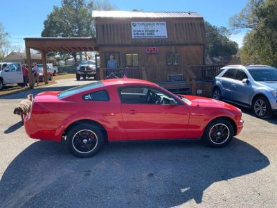 2007 Ford Mustang V6 Deluxe (Red)
