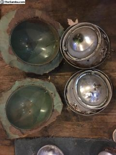 Complete headlights with buckets