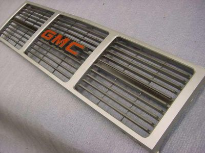 Sell GMC Pickup 1985-1986 NOS Grille Assembly motorcycle in Girard, Ohio, US, for US $9.99