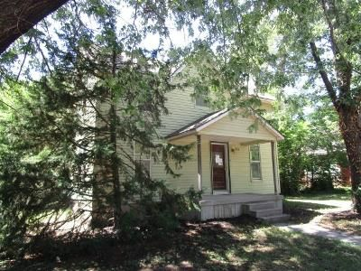 4 Bed 2 Bath Foreclosure Property in Buhler, KS 67522 - N Maple St