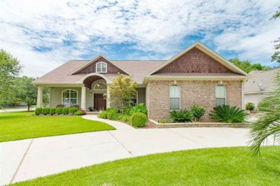 Gorgeous 4 Bedroom Home in Fairhope
