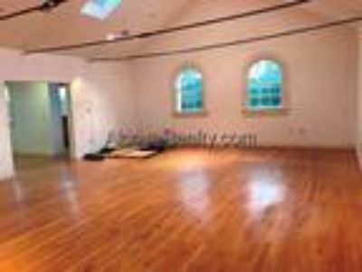 Davis Square; 1600 SF-LOFT STYLE LIVE-WORK SPACE-Top Floor w/Skylights-Short