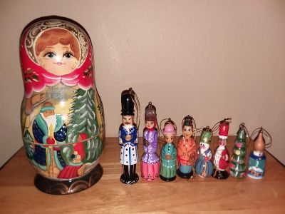 Handpainted Wood Besting Doll with 8 small ornaments inside