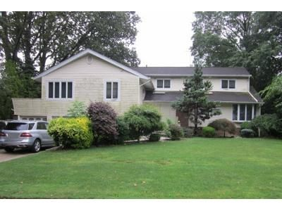 3.0 Bath Preforeclosure Property in Great Neck, NY 11020 - Tanners Rd