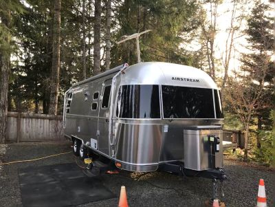 2014 Airstream Flying Cloud 25FB Queen