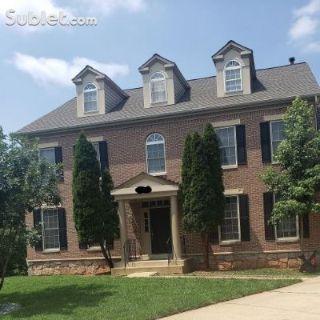 $1300 2 single-family home in Lanham