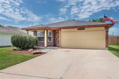 15202 Meredith Lane COLLEGE STATION Three BR, What a find!