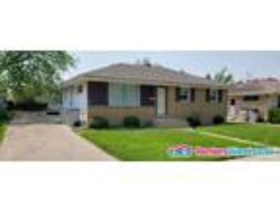 Clean Single Family home - 6619 N 77th St