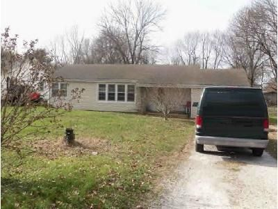 2 Bed 1 Bath Foreclosure Property in Springfield, MO 65804 - S Marlan Ave
