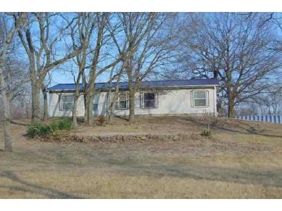 2 Bed 2 Bath Foreclosure Property in Harrisonville, MO 64701 - S Nash Rd