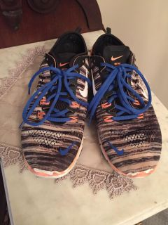 NIKI FREE TR FIT4 tennis shoe. Size women's 8. In good condition.