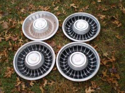 RARE 1961 Cadillac Hubcap & Crest Original Wheelcover Set (4) Used Hubcaps 61
