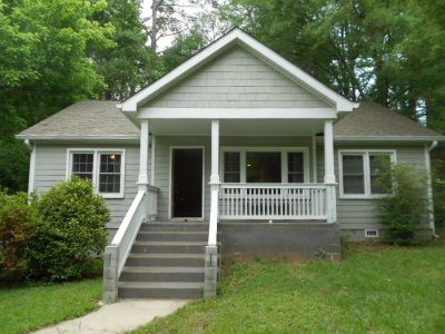 Beautiful Ranch Home With A Large Fenced Lot in Atlanta!