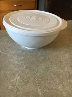 Pampered Chef Chillzanne Small bowl
