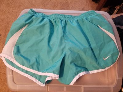NIKE ladies size small fit like XS $5