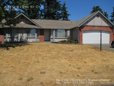 Beautiful 3 Bed 2 Bath Home in Spanaway