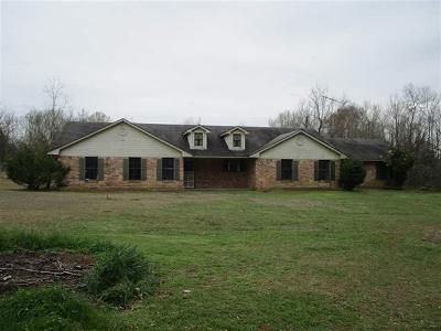 4 Bed 2 Bath Foreclosure Property in Troup, TX 75789 - County Road 4625