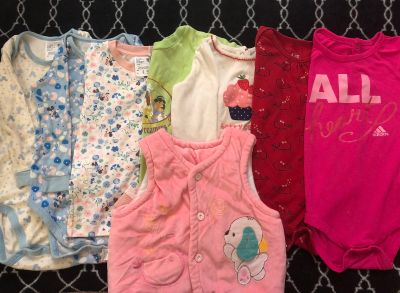 baby's onesie and pajamas $3 for 8pcs
