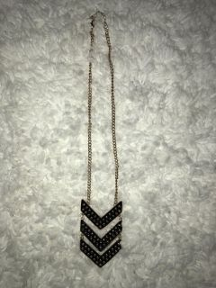 Mid-length Gold Chain Necklace Black Studded Arrows