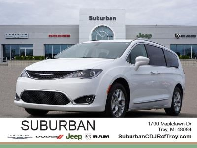 2019 Chrysler Pacifica Touring L Plus (Bright White Clearcoat)