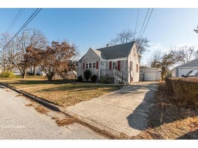 4 Bed 2 Bath Foreclosure Property in Pennsville, NJ 08070 - Locust Ave