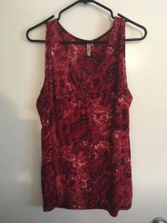 Red floral top - Porch Pick Up ony
