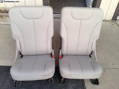 Seats front pair volksrord, tubbed bus