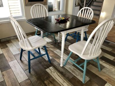 Cute kitchen table and chairs