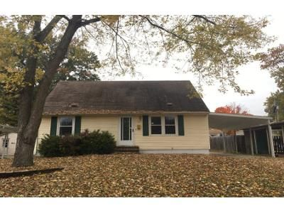 4 Bed 2 Bath Foreclosure Property in Decatur, IL 62521 - Southwood Dr