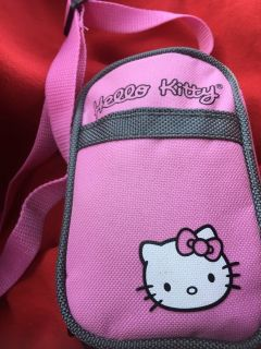 HELLO KITTY OVER SHOULDER PURSE WITH ACCESSORIES