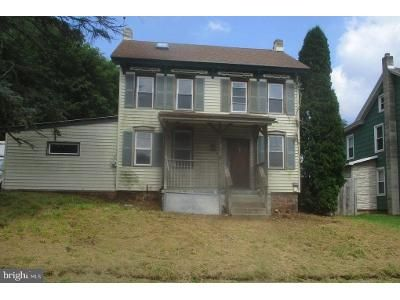 3 Bed 1.0 Bath Foreclosure Property in Mohnton, PA 19540 - Alleghenyville Rd