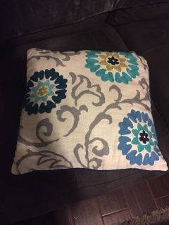 Used floral throw pillow $2