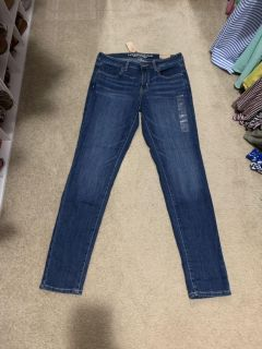 NWT American eagle super stretch jegging jeans. Size 8