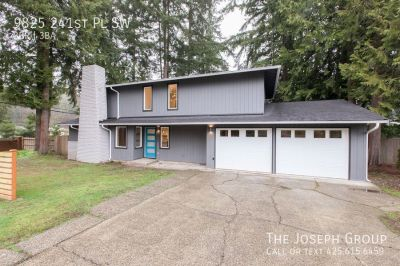 Stunning 3bd/2.5ba home completely updated