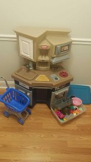 Little Tikes Kitchen with food and cart
