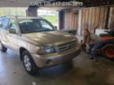 Used 2004 TOYOTA HIGHLANDER For Sale