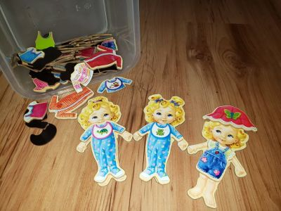 Wood Dress Up Dolls with Magnetic Clothes