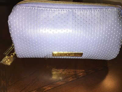 Gorgeous make-up bag new.