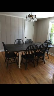 Kitchen/dining room table and chair