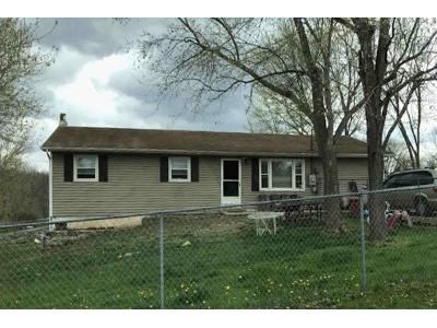 4 Bed 2 Bath Foreclosure Property in Catawissa, MO 63015 - Meadow Dr