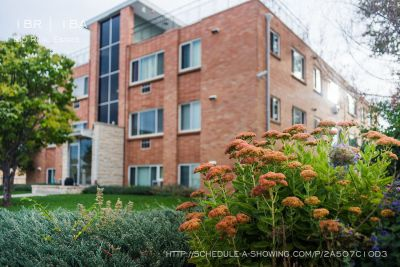 Beautiful Large 1 BR Apartment in Wheat Ridge! Rooftop Patio!