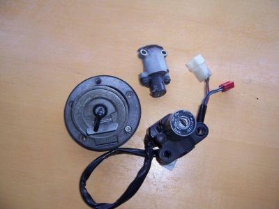 Find 058 YAMAHA YZFR6 R6S YZF R6 03 04 05 IGNITION LOCK SET KEY GAS TANK SEAT motorcycle in Bradenton, Florida, US, for US $140.00