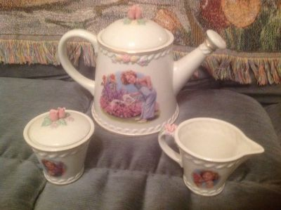 Shirley Temple Danbury Mint tea set