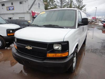2014 Chevrolet Express 3500 3500 (Summit White)