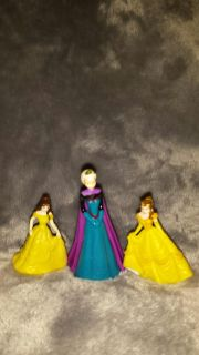 3 small figures