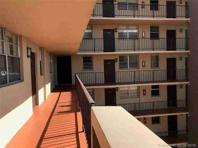 1811 Jefferson St 603 Hollywood, Very Spacious Condo for