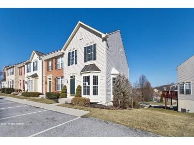 2 Bed 4 Bath Foreclosure Property in York, PA 17403 - N Sentinel Ln