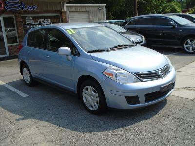2011 Nissan Versa 1.8 S (Blue,Light)