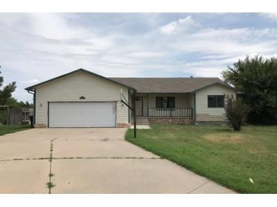 3 Bed 2 Bath Foreclosure Property in Dodge City, KS 67801 - Hennessey Ct