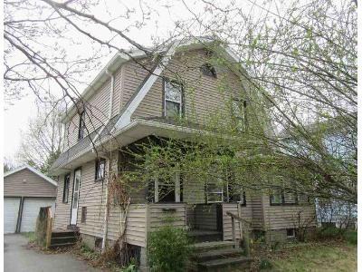 2 Bed 1 Bath Foreclosure Property in Rochester, NY 14624 - Gatewood Ave